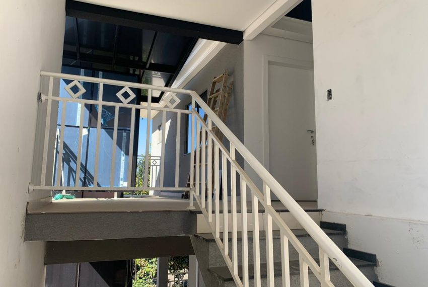 escada acesso loja